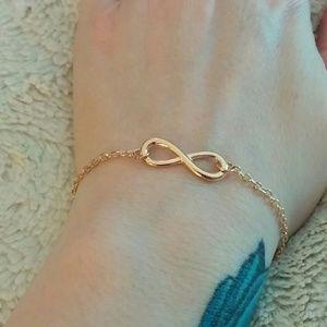 Jewelry - Dainty Golden Infinity Bracelet
